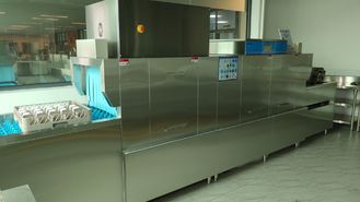 China Compact Structure Flight Type Dishwasher For Chain Restaurants And Dining Halls supplier