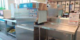 China High Cleaning Effect Rack Conveyor Dishwasher With Anti Blocking Nozzle supplier